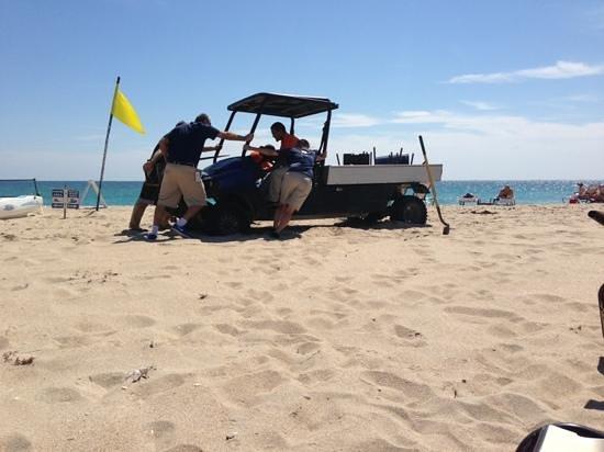 Fort Lauderdale Marriott Harbor Beach Resort & Spa:                                     4x4 broken down on beach in front of us