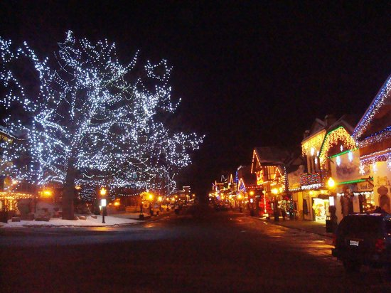 Leavenworth Village Inn:                   pretty lights at night at end of jan. there x-mas lights are still up during t