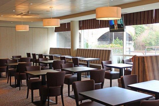 Holiday Inn Express Chester - Racecourse: Breakfast Area