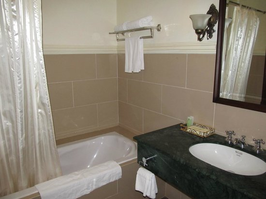 Sammy Dalat Hotel:                   bathroom
