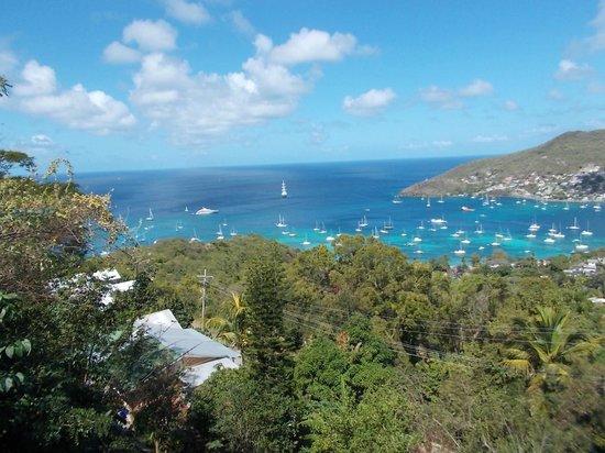 Bequia Beachfront Villas:                   view of harbor