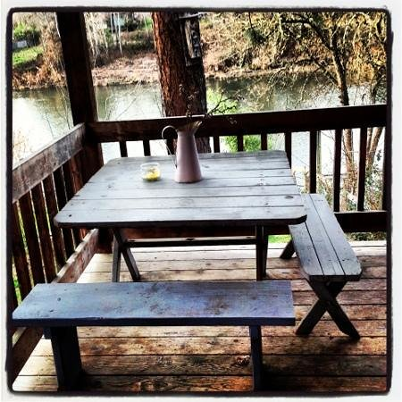 Motel Del Rogue:                                     Our own private deck overlooking the Rogue River.