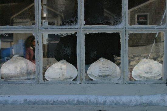 L'Alouette:                   Scrimshaw clam shells, Cape Cod
