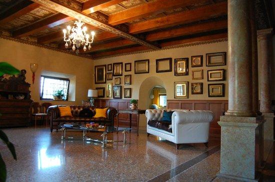 Villa Aldegheri:                   Sitting Room