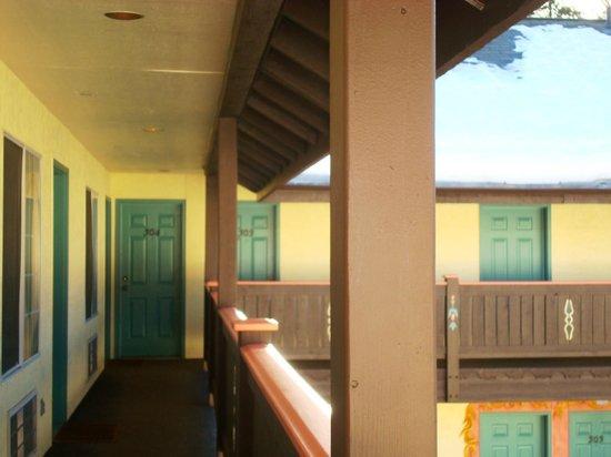 Leavenworth Village Inn:                   rooms