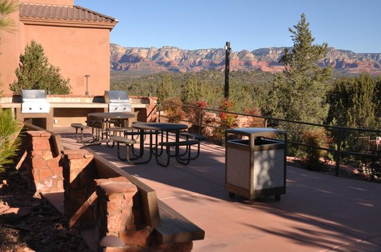 Sedona Summit Resort:                   Gas grills and picnic tables