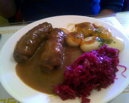 Bruno's European Cafe : Beef rouladen with potato dumplings and red cabbage