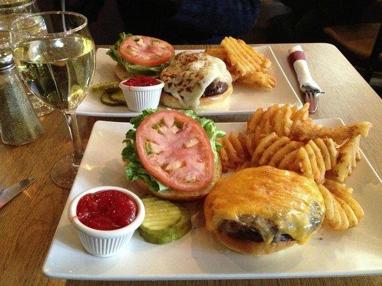 Prive:                   紹介して頂いたハンバーガー屋さん
