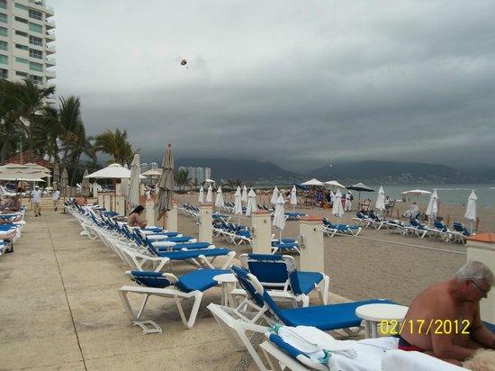 CasaMagna Marriott Puerto Vallarta Resort & Spa:                   Beach