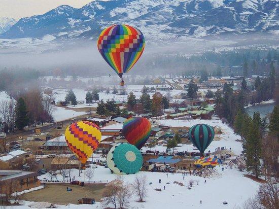 Airial Balloon Company:                   Winthrop Balloon Festival from the air