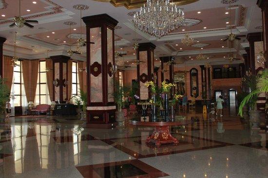 Hotel Riu Palace Pacifico:                   Main lobby