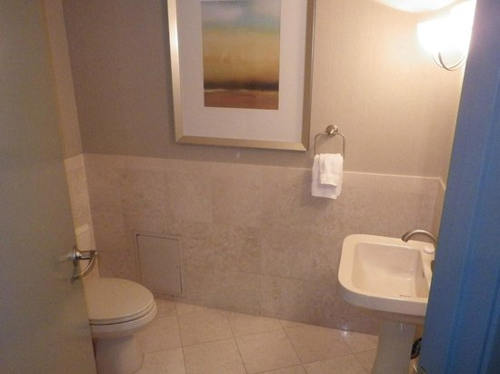 Monte Carlo Resort & Casino: Monte Carlo, Monaco Suite, Half Bathroom