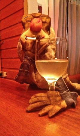 The Bocas Wine Bar: wine and puppet