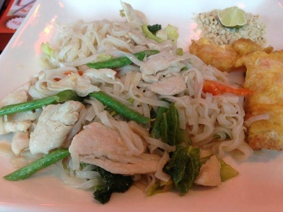 Pum Thai Restaurant:                   Plain Stir fry noodles