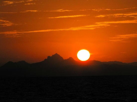 Coco Plum Island Resort:                                     A Belizian sunset from Cocoplum