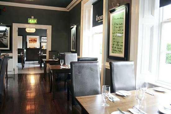 Kitchen Restaurant, Tullylagan House Hotel:                                     Stunning Decor