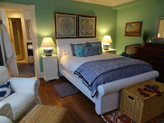 Asbury Park Inn:                   The bedroom of the Ocean Spa Suite