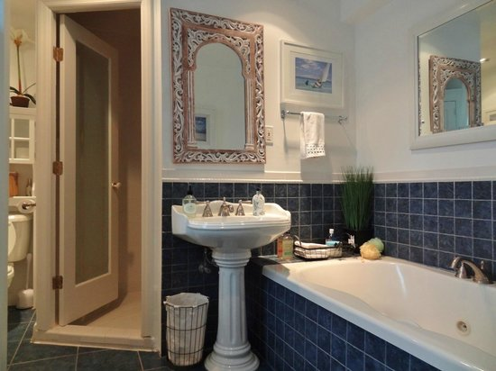 Asbury Park Inn:                   The bathroom with jetted tub in the Ocean Spa Suite