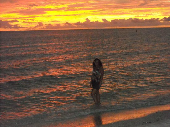 TradeWinds Island Grand Beach Resort:                   Sunsets Every night