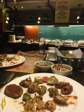 Grillopolis:                   starters served on table