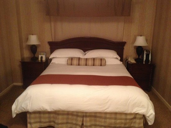 The Talbott Hotel:                   King size bed