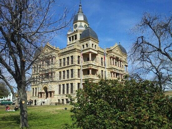 Courthouse-on-the-Square Museum :                   courthouse
