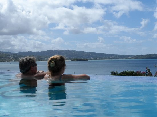 Calabash Cove Resort and Spa:                   Another day of gazing out over the pool edge