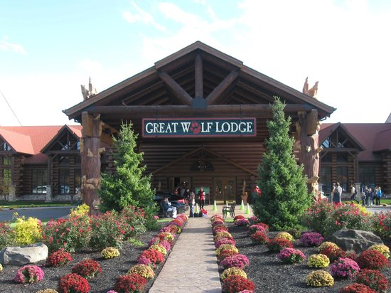 Great Wolf Lodge:                   A view of the front of the hotel.