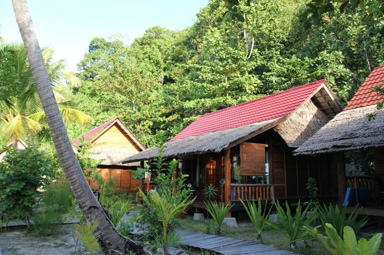 Raja Ampat Dive Lodge:                   Bungalows