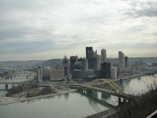 Wyndham Grand Pittsburgh Downtown:                   View from Duquesne Incline