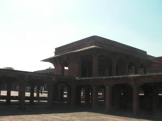 Khwabgah:                   Vista esterna