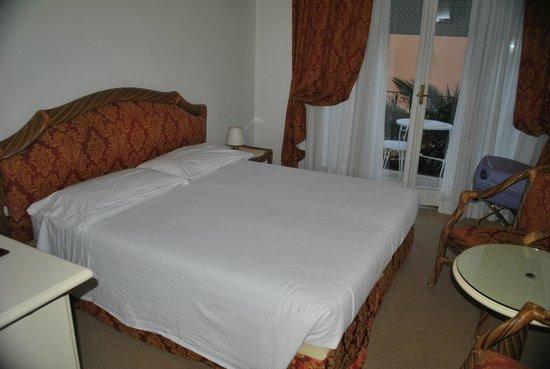 瑞吉爾酒店照片