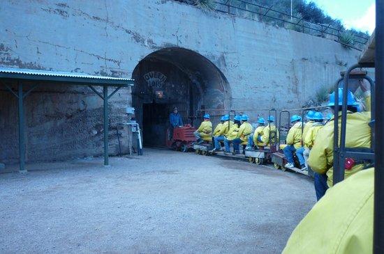 Queen Mine Tours :                   Entrance to Copper Mine tour