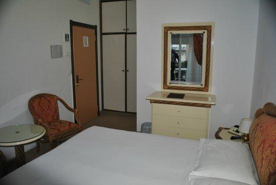 Hotel Rigel:                   Chambre 214
