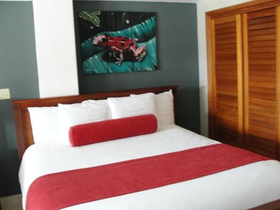 Tropical Suites Hotel:                   Nice comfortable King bed