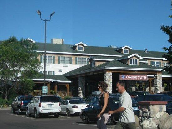 Comfort Suites Canal Park:                   Front Entrance