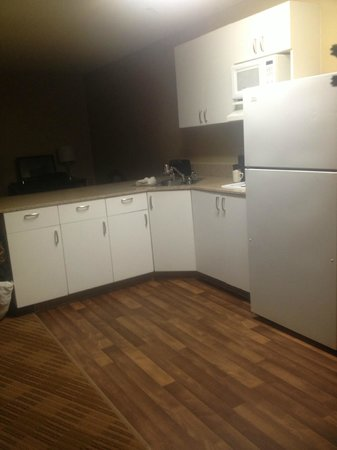 Extended Stay America - Oakland - Alameda:                   kitchen