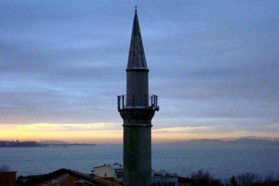 Dersaadet Hotel Istanbul:                   Sea of Marmara
