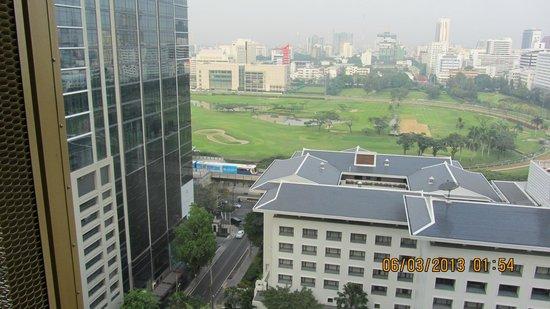 Hansar Bangkok Hotel: superuitzicht vanuit onze kamer'