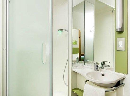 Ibis Budget Madrid Centro Las Ventas: Habitación: el baño