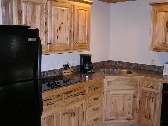 Sojourner's Lodge & Log Cabin Suites:                   Kitchen