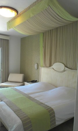 Royal Myconian Resort & Thalasso Spa Center:                   single room