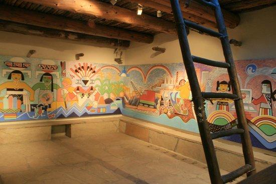 Museum of Northern Arizona: Kiva exhibit inside the museum. SOme nice artwork here.