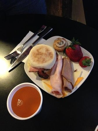Inn at the Mill: Continental Breakfast