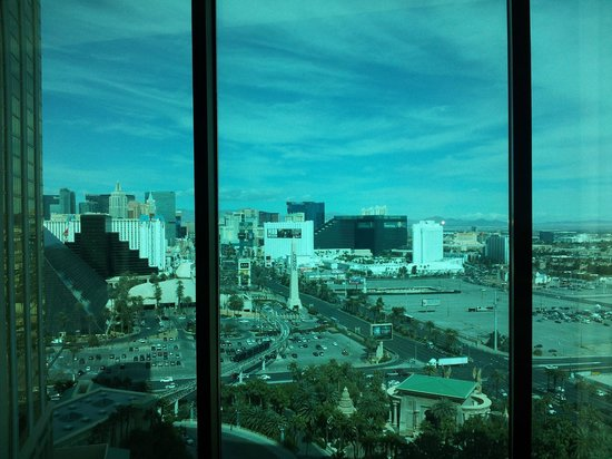 Mandalay Bay Resort & Casino: Day view