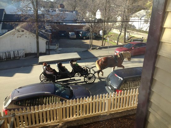Julian Gold Rush Hotel:                   Quaint carriage rides are available in Julian