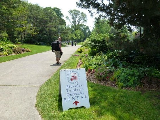 Parc des Îles de Toronto : ein Besucher,mit Camera und Rucksack
