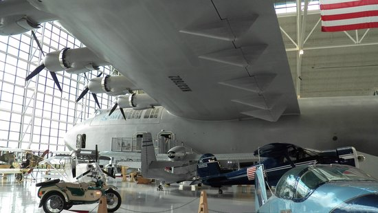 Evergreen Aviation & Space Museum:                   spruce goose