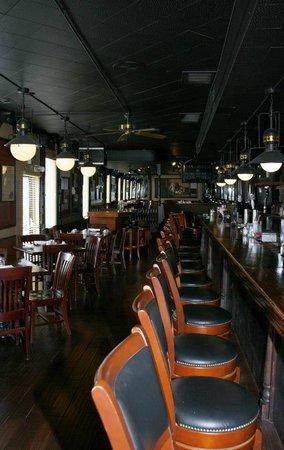 Fenton Hotel Tavern and Grille:                   Tavern