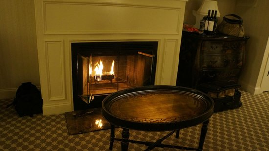 Saybrook Point Inn & Spa: fireplace